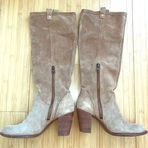 UGG Suede boots size 8